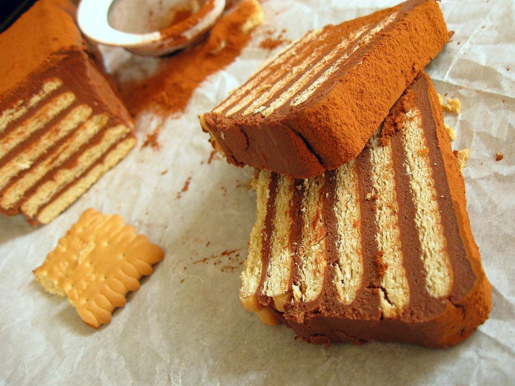 Шоколадный торт из печенья