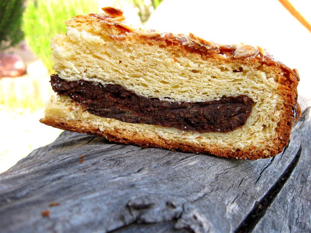 Простой дрожжевой пирог