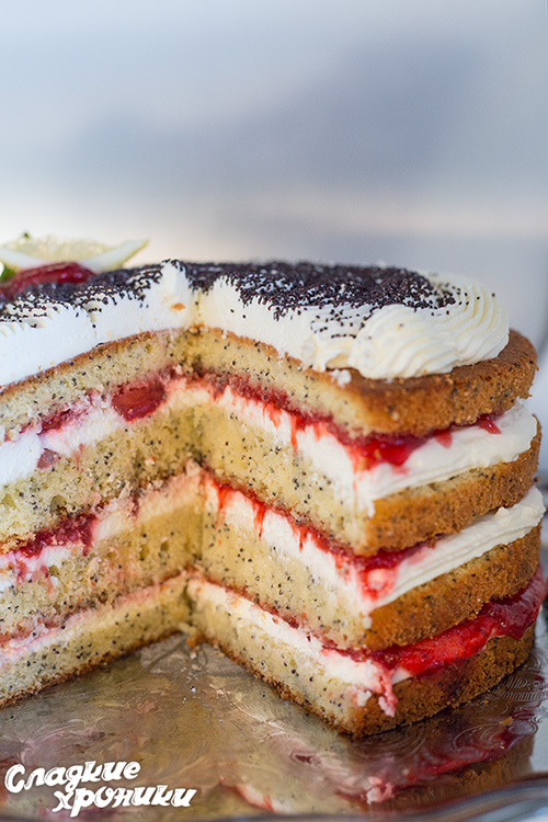 Торт со сметаной и фруктами
