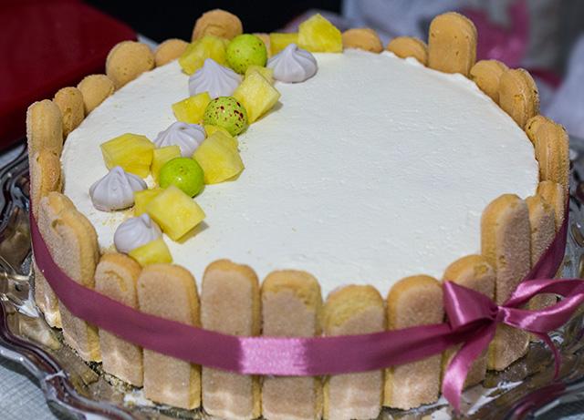 Миниатюра к статье Бисквитный торт с фруктами— очень вкусный и простой рецепт